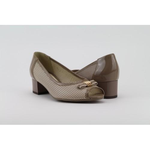 8b7ea038e96f BIOECO bézs magassarkú bőr cipő
