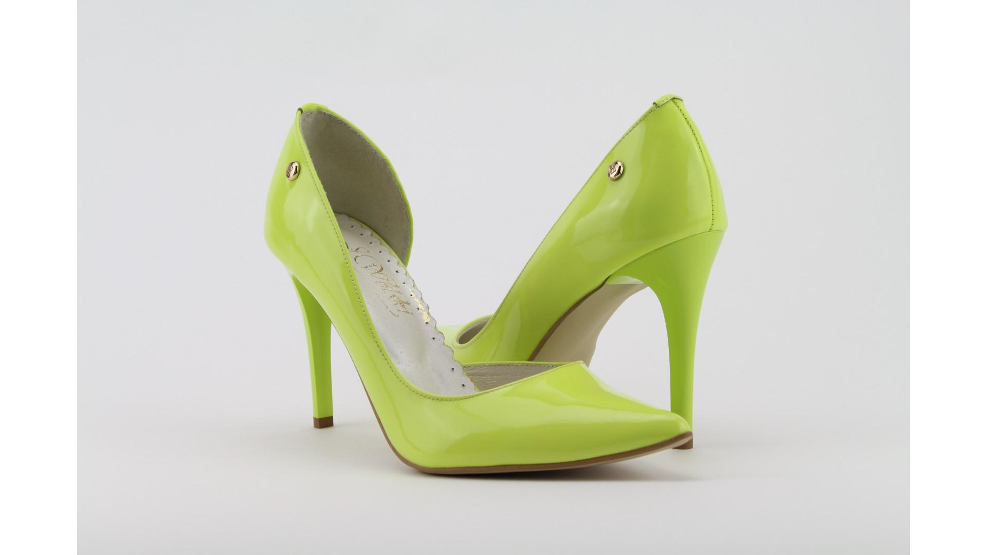 ae36ace024 WOLSKI neon sárga lakkbőr tűsarkú cipő